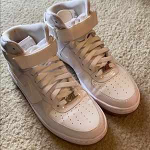WOMEN'S NIKE AIR FORCE 1 ULTRA MID